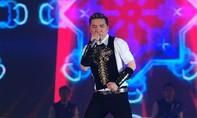 Ông hoàng gây hấn của showbiz Việt