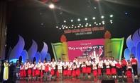 1.000 phần quà cho trẻ em nghèo trong ngày Gia đình Việt Nam