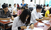 Hàng loạt thí sinh bị đình chỉ thi vì mang tài liệu vào phòng thi