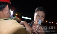 Clip xử phạt tài xế xe container, xe tải sử dụng ma túy
