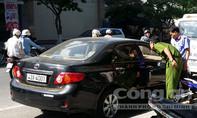 Đang truy bắt kẻ đập kính cửa 3 xe ôtô để trộm gây xôn xao