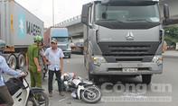 Bánh xe tải chèn qua chân nam thanh niên