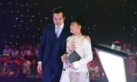 Dương Khắc Linh dùng hình của mình để chiêu dụ thí sinh