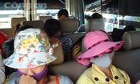 Chú rể Hàn Quốc, Đài Loan... xem mắt cô dâu lưu động trên ô tô