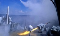 Clip tàu Trung Quốc phóng hàng loạt tên lửa ở Biển Đông