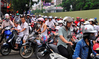 Phó Thủ tướng Hoàng Trung Hải chỉ đạo: Xem xét đề nghị dừng thu phí xe máy