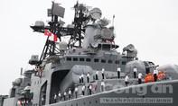 Tàu chống ngầm Nga cập cảng Tiên Sa