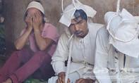 Cha mẹ khóc ngất bên quan tài ba cô con gái xấu số