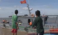 Bộ đội Biên phòng cứu hộ 12 ngư dân thoát chết