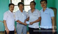 Giảng viên góp tiền hỗ trợ học sinh nghèo
