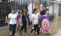 Thảm sát ở Bình Phước: Đông đảo người dân đến viếng đám tang