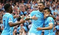 Manchester City đại thắng Chelsea, Arsenal giành 3 điểm đầu tiên