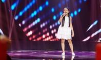 Cô bé 14 tuổi gây sốt tại The Voice Kids