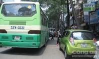 Nhiều tiệm sửa xe, bán phụ tùng ôtô chiếm dụng lề đường
