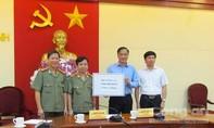 Bộ Công an trao 5 tỷ đồng giúp Quảng Ninh khắc phục mưa lũ