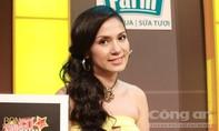 Việt Trinh diện đầm vàng quý phái làm giám khảo 'Bạn có thực tài?'