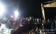 Giải cứu bé gái 7 tuổi rơi xuống ống nước sâu hàng chục mét