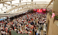 Cấm người dưới 70 tuổi tổ chức tiệc sinh nhật linh đình