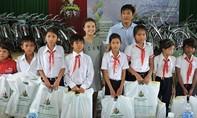 Hơn 200 triệu đồng giúp đỡ học sinh nghèo hiếu học