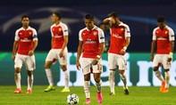 """""""Kẻ lót đường"""" khiến Arsenal ôm hận"""