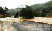 Mưa lớn, gần 700 nhà dân ngập sâu trong nước