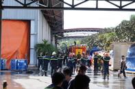 Cháy xưởng gỗ, hàng ngàn công nhân hoảng loạn