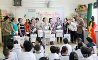 Báo Công an TP.HCM trao quà Trung thu cho các em nhỏ khuyết tật Quận 8