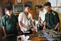45 khẩu súng theo tàu hàng tuồn về Việt Nam