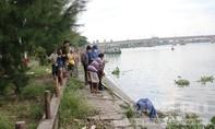 Thi thể cô gái tóc vàng trên sông Sài Gòn
