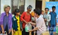 Trao 118 phần quà đến với bệnh nhi và trẻ em nghèo tỉnh Bình Phước