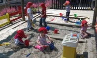 Hai cậu bé 5 tuổi đào hầm trốn khỏi trường mẫu giáo để đi 'mua siêu xe'