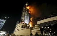 Khách sạn giữa Dubai cháy lớn như pháo hoa trong đêm giao thừa
