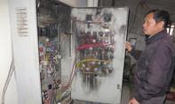 Rợn gáy cảnh hàng trăm hộ dân thị xã Hoàng Mai sống dưới lưới điện 'tử thần'