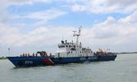 Cứu 9 ngư dân Bình Thuận gặp nạn trên biển