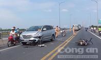Cầu Rạch Miễu kẹt xe gần 5km vì tai nạn