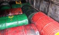 Bắt xe tải chở 1.600 lít dầu ăn đã qua sử dụng