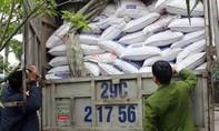 Gần 7 tấn thức ăn chăn nuôi chứa chất cấm bị thu giữ