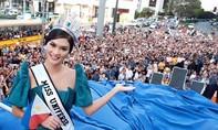 Người dân Philipines xếp hàng dài chào đón Hoa hậu Hoàn vũ 2015