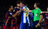 'Ăn thua đủ' với đối thủ, Suarez bị phạt nặng