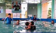 Quảng Nam: Dạy bơi cho học sinh vùng lũ