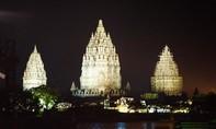 Đền Prambanan toả sáng qua màn trình diễn Video Mapping