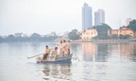 Cá chết tại hồ Tây: Hà Nội khẩn trương triển khai 7 biện pháp cấp bách