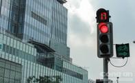 Có được phép rẽ trái/phải khi đèn đỏ?