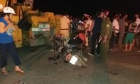 Va chạm xe lu, ba cha con bị thương nặng