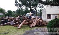 Lâm tặc tổ chức cướp lại xe gỗ như phim hành động
