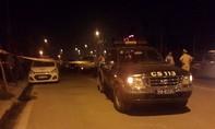 Người dân vây bắt tên cướp nghi giết tài xế taxi