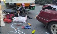 Xe buýt ép chặt cô gái vào xe ô tô ở cửa ngõ Sài Gòn