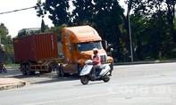Hung thần container 'đại náo' KCN Biên Hòa 2