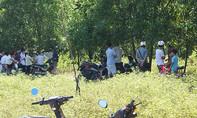 Xác nam thanh niên phân hủy cạnh xe máy trong rừng tràm