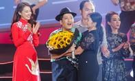 Nhã Phương bất ngờ xuất hiện song ca cùng Trường Giang trong liveshow kỷ lục